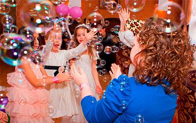 Оренда мильних бульбашок на дитячого свята. Прокат мильні бульбашки.