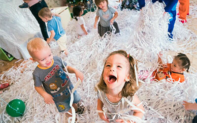 Паперове шоу, діти, день народження